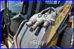 2013 NEW HOLLAND L223, Cab, Heat, A/C, Hydraulic Quick Attach, 2-Speed