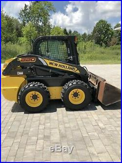 2014 New Holland skid steer L220