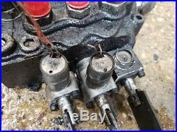 NEW HOLLAND LT185 Skid Steer Loader Arm Control Valve, OEM# 84128130