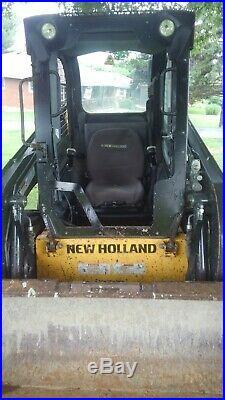 New Holland 215 Skid loader