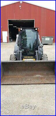 New Holland L223 Skidsteer