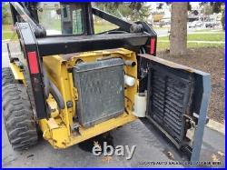 New Holland LX865 Skid Steer Loader Cab Working Heat NEW TIRES 72 Bucket NICE