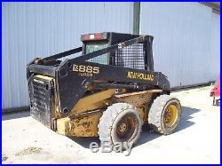 New Holland LX885 Skidsteer loader skid steer bucket
