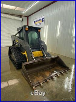 New Holland Lt185b With A/c Heat. Hydraulic Quick Attach Smooth Bucket